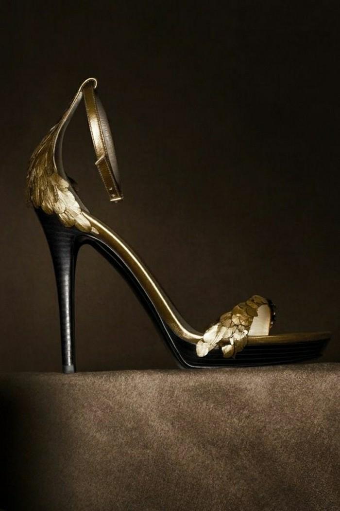 00-sandales-design-doré-les-dernieres-tendaces-chez-les-chaussures-femme