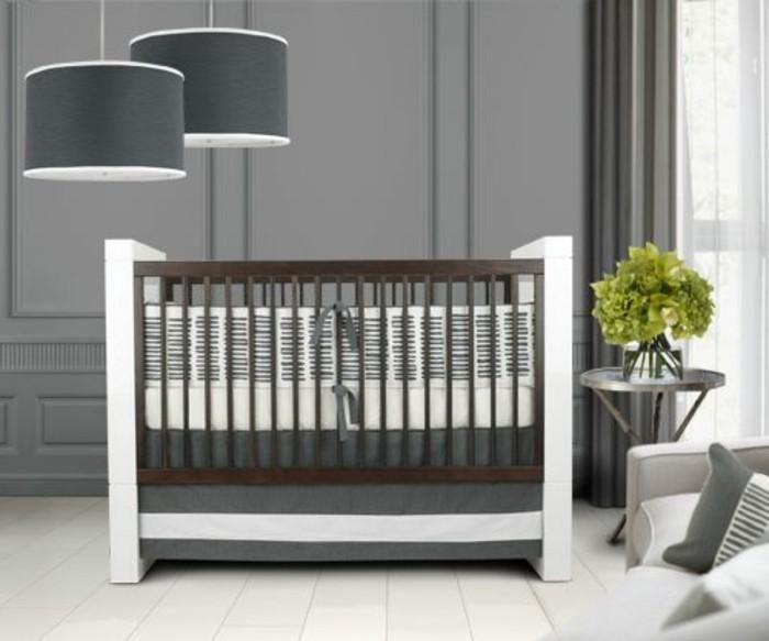 3-parure-de-lit-bebe-gris-pour-le-lit-bebe-en-bois-foncé-chambre-bebe-interieur