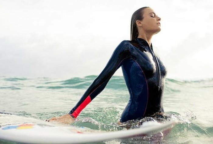 Beauté-de-l'ocean-combinaison-surf-hiver-pas-facile-cool-endroit-ootd-plage-rip-curl-combinaison-combinaison-neoprene-homme-cool-idée-pour-s-habiller-bien