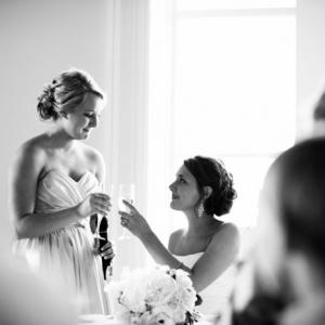 La robe de témoin de mariage - les meilleurs idées et les pièges à éviter!