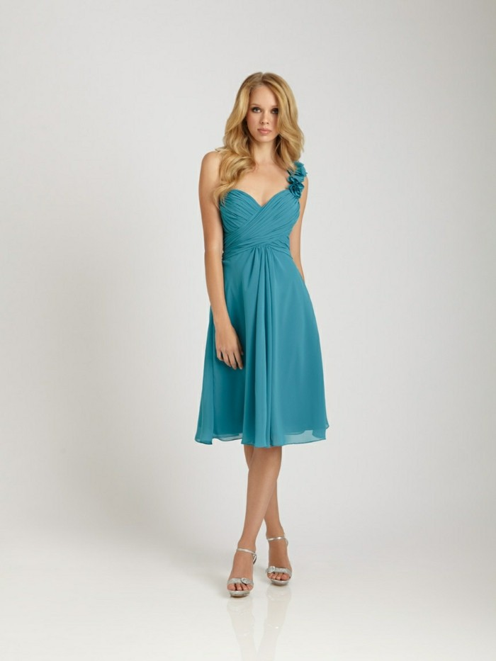 Design-robe-témoin-mariage-pas-cher-tati-mariage-pas-chere-bleu