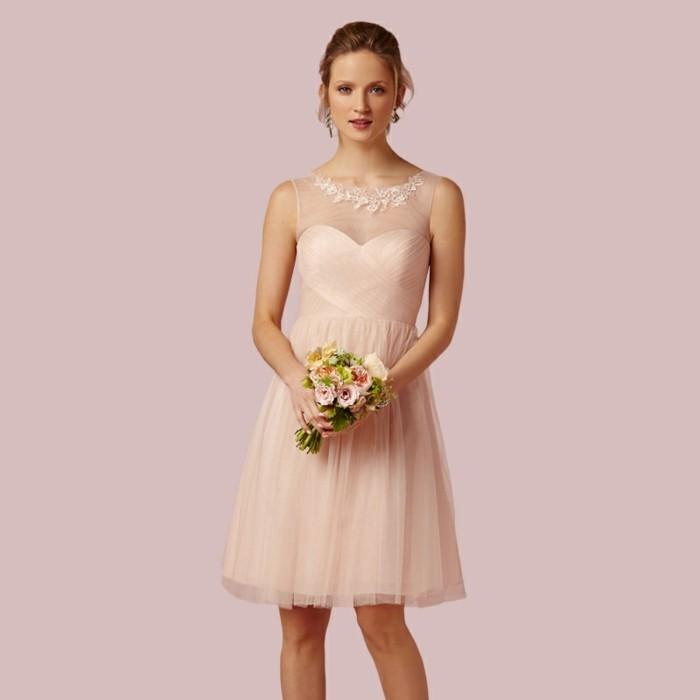 La robe de témoin de mariage est important, mais pas autant que de s ...