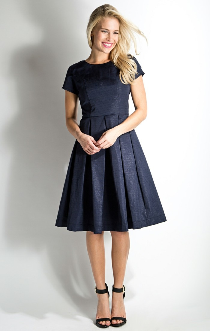 robe temoin mariage bleu la mode des robes de france. Black Bedroom Furniture Sets. Home Design Ideas