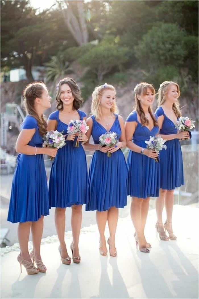 Formidables-robes-témoin-mariage-robe-mariage-témoin-cool-tout-en-bleu