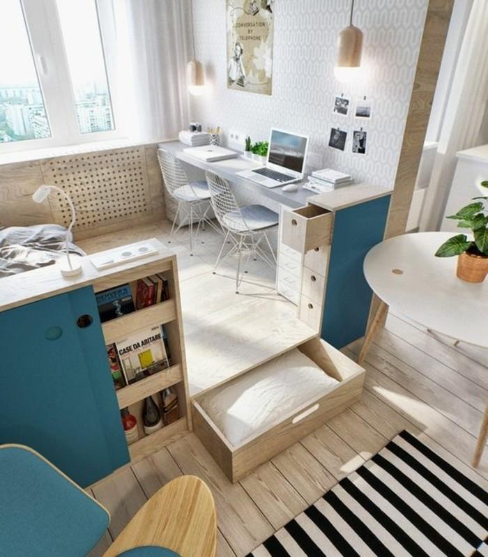 aménagement-petit-salon-sol-en-parquet-clair-tapis-a-rayures-blancs-noires