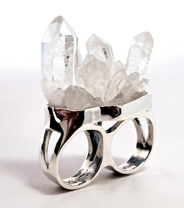 bague-cristal-brut-deux-doigts-resized