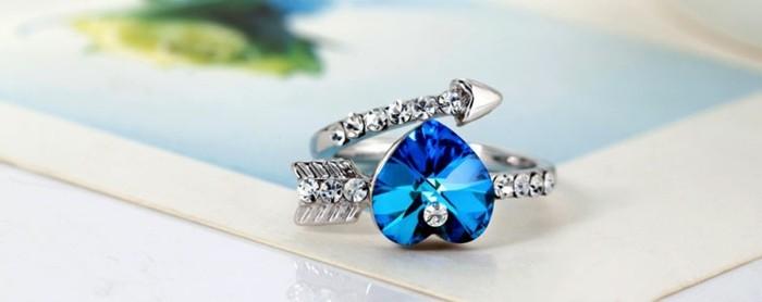bague-cristal-coeur-bleu-resized