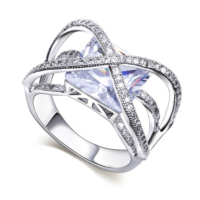bague-cristal-forme-carree-resized