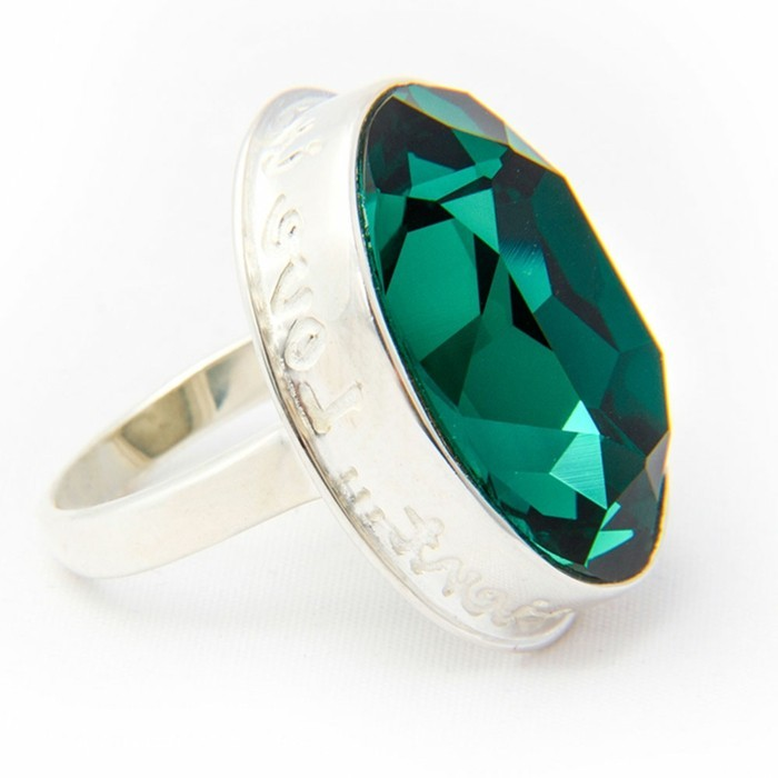 bague-cristal-vert-emeraude-resized