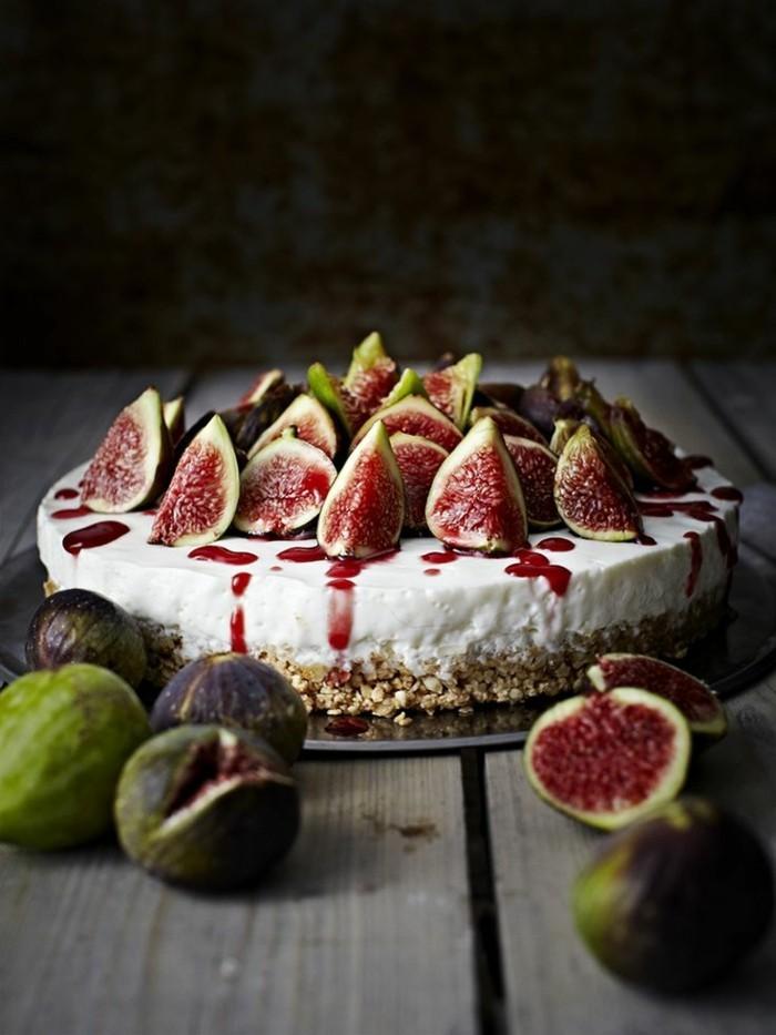 beau-gateau-fruits-belle-image-de-gâteau-d'anniversaire-gateau-personnalisé