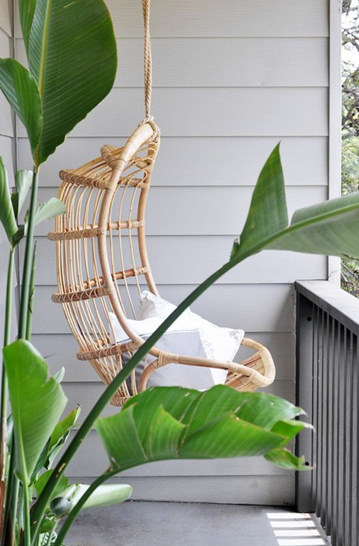 belle-idee-balancoire-fauteuil-en-rotin-chaise-en-rotin-meuble-en-rotin-pas-cher-chaise-balcon