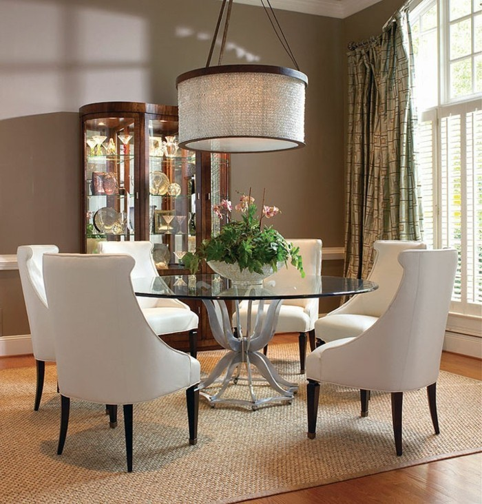 belle-idee-table-ronde-extensible-superbe-idee-decoration-design-intérieur-table-ronde-chaises-blanches