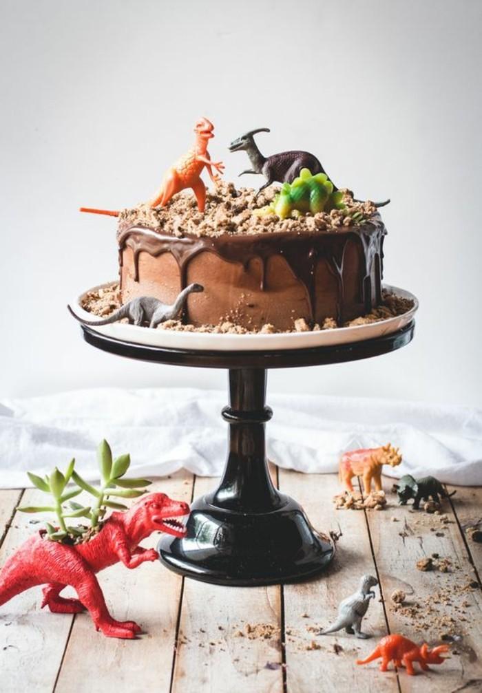 belle-image-de-gâteau-d'anniversaire-gateau-personnalisé-dinosaure