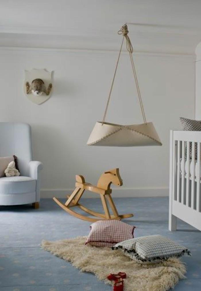 berceau-bebe-pour-la-chambre-bebe-berceau-bebe-tapis-beige-dans-la-chambre-bebe