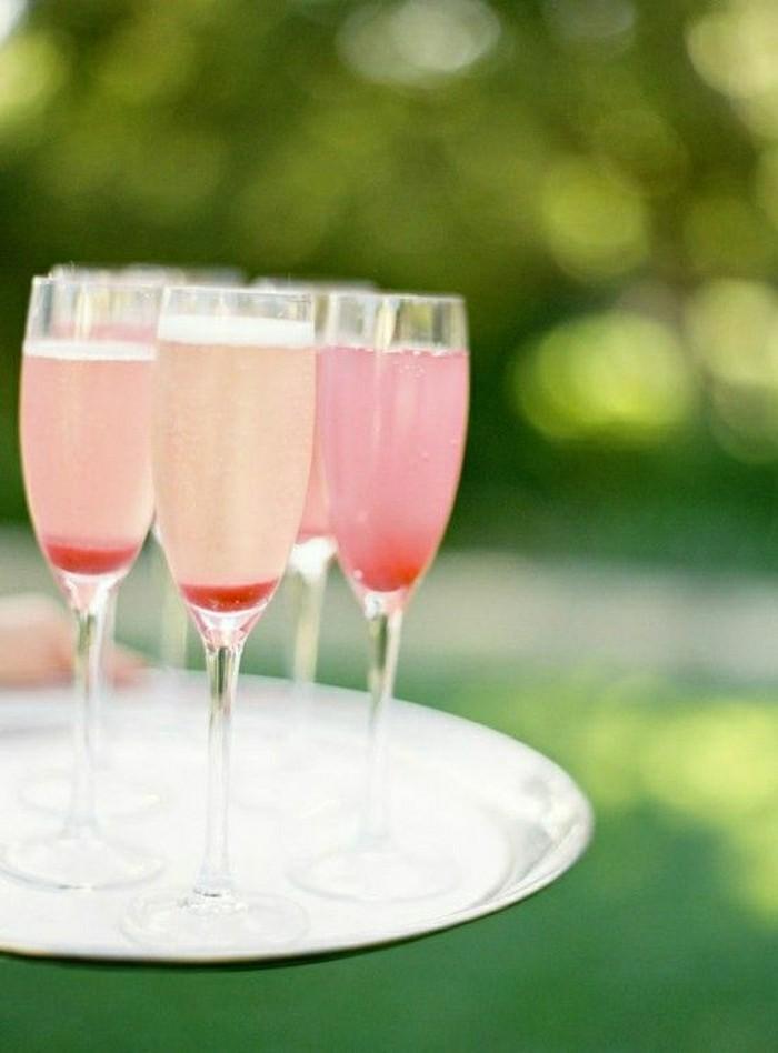 blida-verre-flutes-ou-coupe-a-champagne-ambiance-déco-limonade-rose