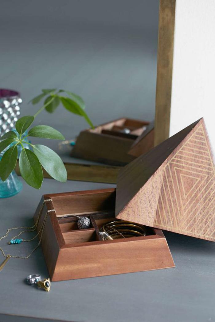 la bo te bijoux en bois 43 photos de belles boites en. Black Bedroom Furniture Sets. Home Design Ideas
