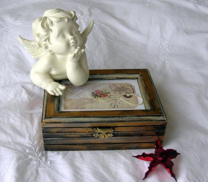 la bo te bijoux en bois 43 photos de belles boites en bois. Black Bedroom Furniture Sets. Home Design Ideas