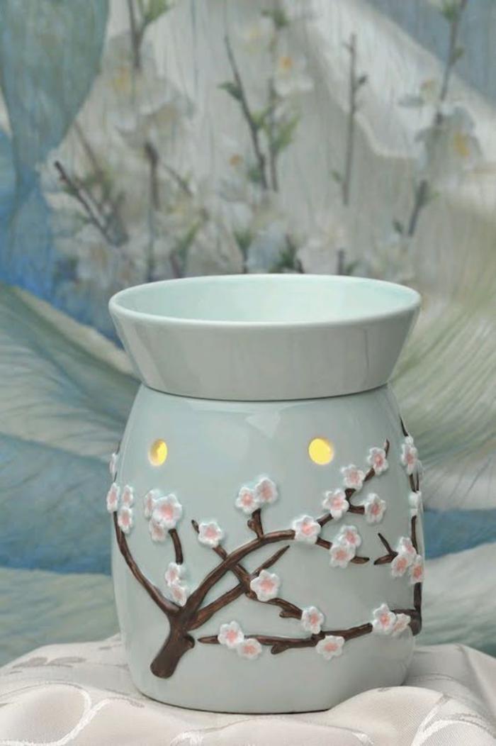 brûle-parfum-branches-fleuries