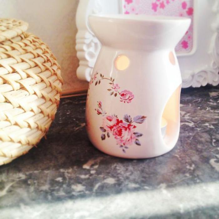 Le br le parfum aromatisez l 39 ambiance avec une senteur douce - Comment enlever le brule d une casserole ...