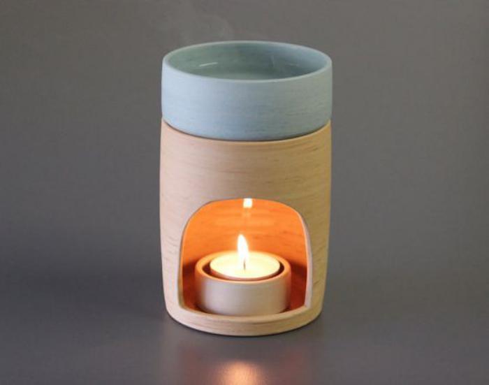 brûle-parfum-pour-une-ambiance-doucement-aromatisée