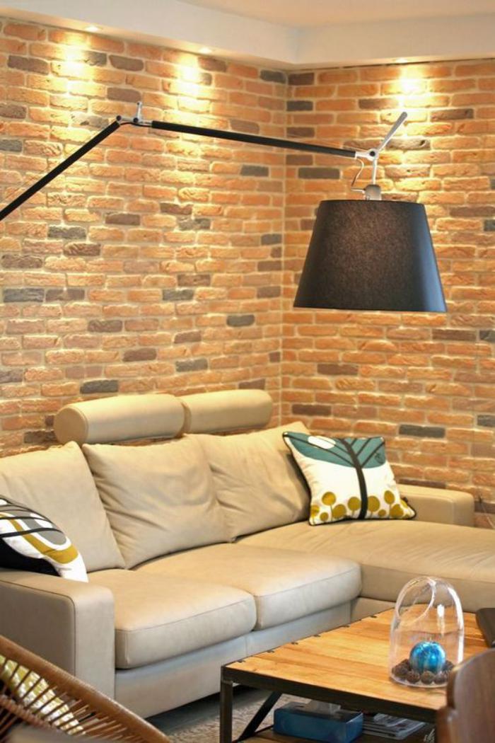 briques-de-parement-grand-lampadaire-noir-revêtement-mural-briques