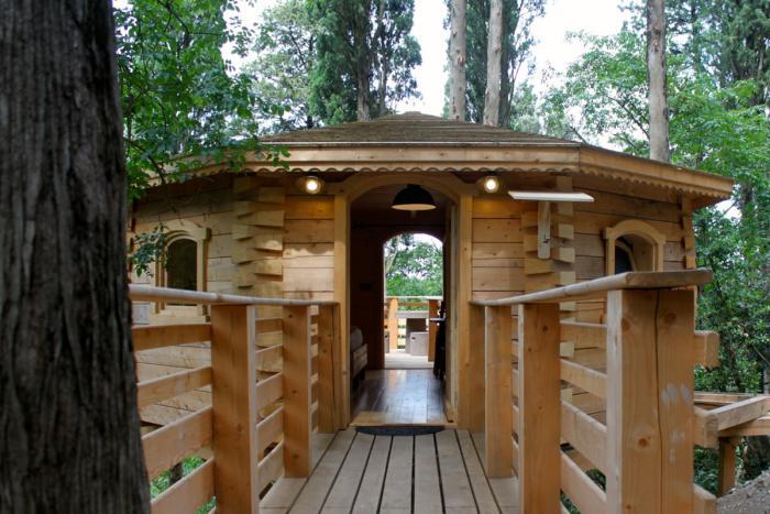 cabane-dans-les-bois-hôtels-maisons-dans-les-arbres