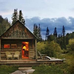 L'aventure de séjourner dans une cabane dans les bois