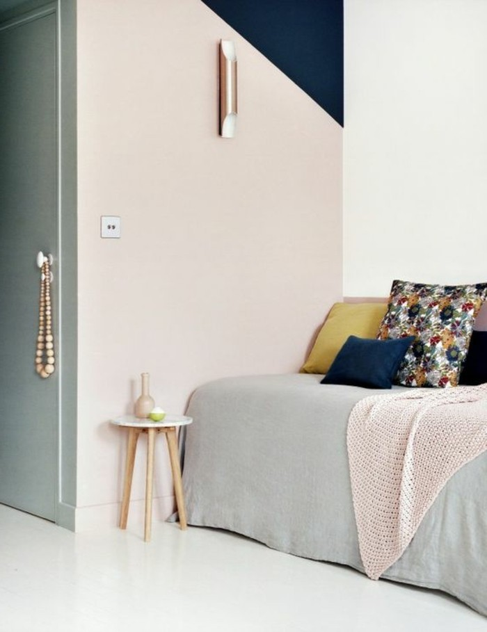 chambre-a-coucher-chic-mur-en-deux-couleurs-peindre-une-pièce-en-deux-couleurs