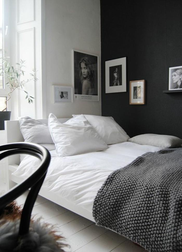 chambre-a-coucher-mur-blanc-et-noir-peindre-une-pièce-en-deux-couleurs-lit