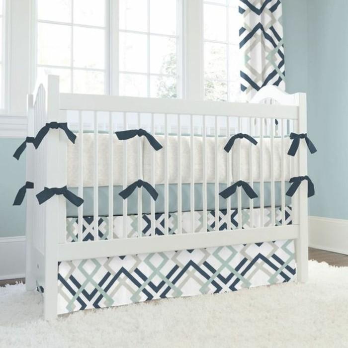 chambre-bebe-fille-tapis-blanc-dans-la-chambre-bebe-fenetre-grande-dans-la-chambre-bebe-fille