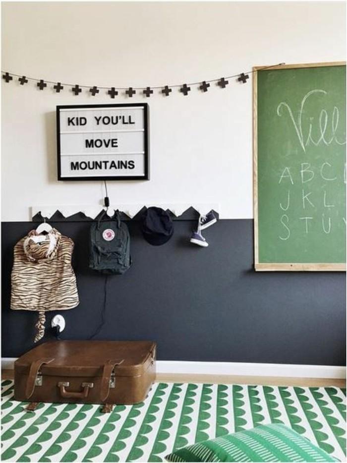 chambre-d-enfant-peindre-une-pièce-en-deux-couleurs-idee-couleur-peinture-murale-blanc-gris