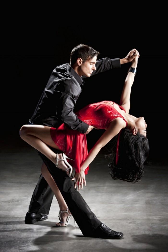 chanson-pour-danser-musique-de-soiree-playlist-soirée-dansante-danse-maternelle