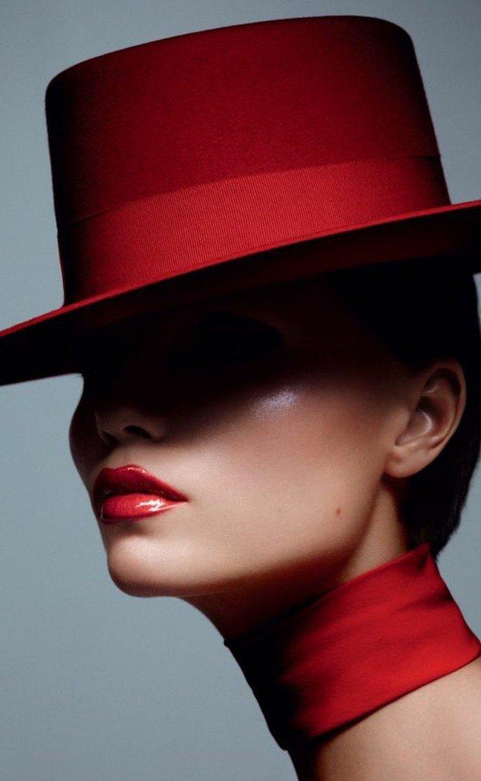 chapeau-rouge-cool-idée-comment-accessoiriser-vos-tenues-mistique