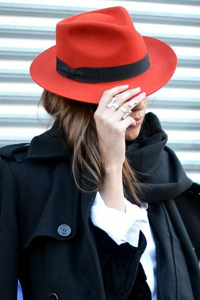 chapeau-rouge-cool-idée-comment-accessoiriser-vos-tenues-style-new-yorkais