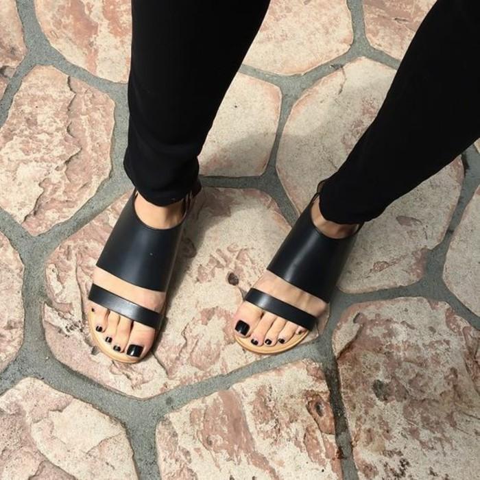chaussures-d-ete-femme-sandales-noires-femme-tendances-2016-chaussures-femmes