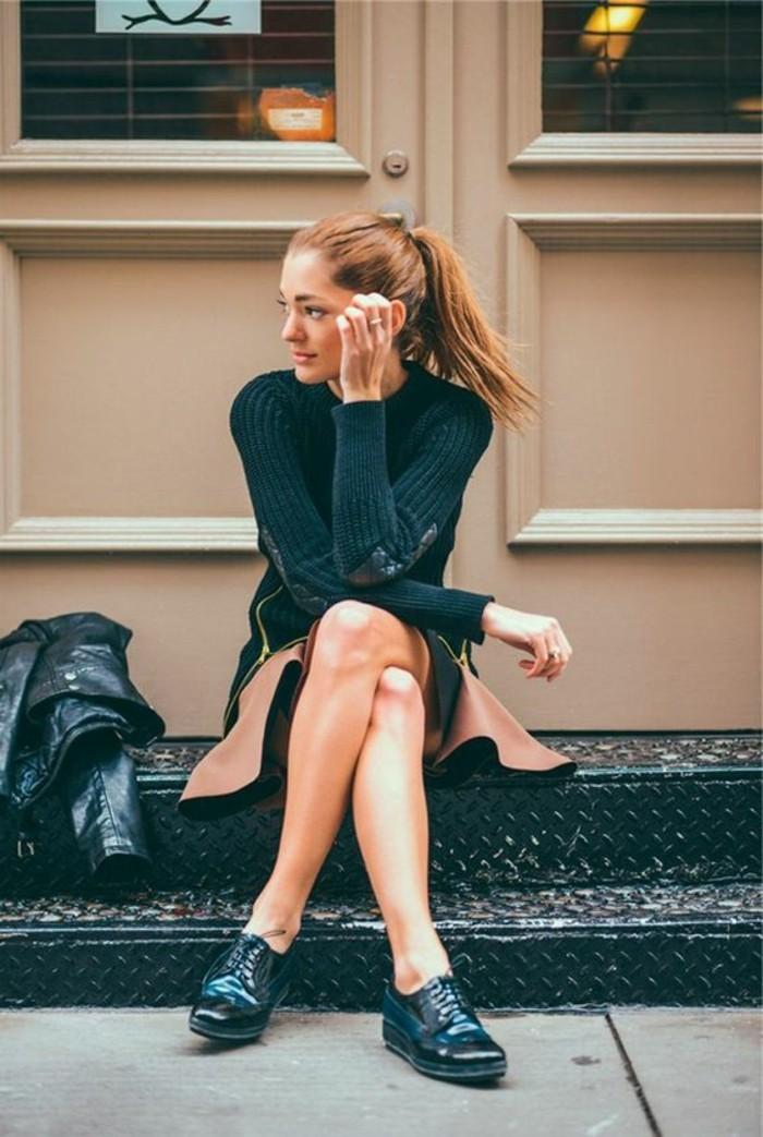 chaussures-femmes-derby-chaussures-femme-noir-et-bleu-blouse-femme-noir