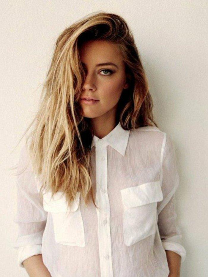 chemise-blanche-chemisette-homme-cool-idée-porter-une-tenue-chic-femme-blonde