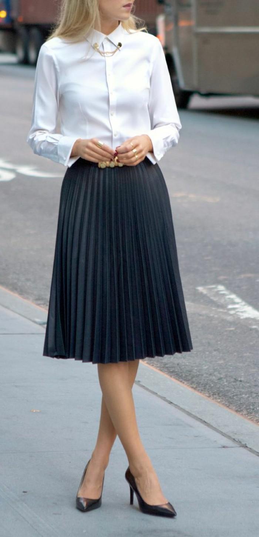 chemise-blanche-jupe-mi-longue-femme-jupe-plissée-noire-chemise-blanche-femme