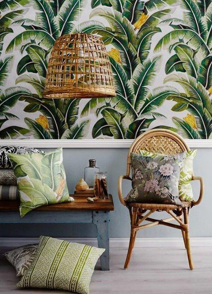 chouette-fauteuil-rotin-style-rustique-cool-idée-à-recreer-maison-stylée-ikea-papier-peinte-palmes-vert