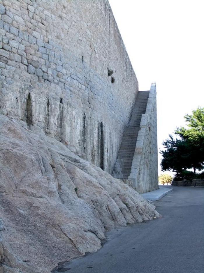 circuit-en-corse-forteresse-médiévale