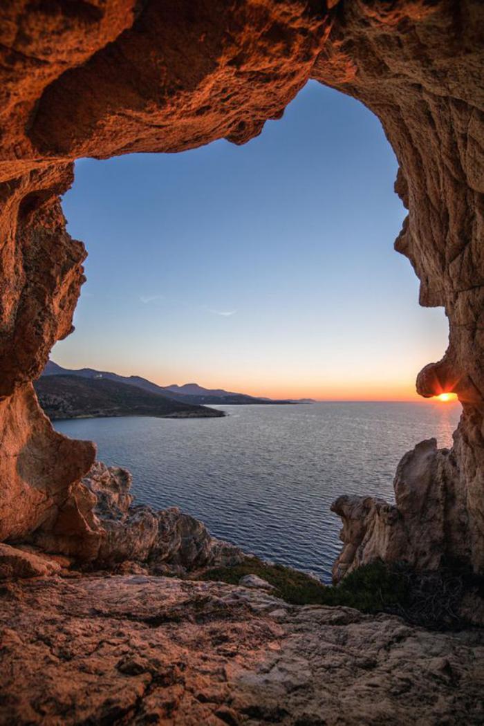circuit-en-corse-grotte-dans-les-rochers