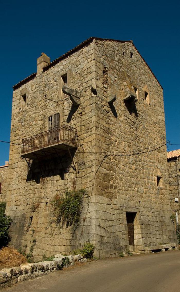 circuit-en-corse-vieille-maison-en-Corse