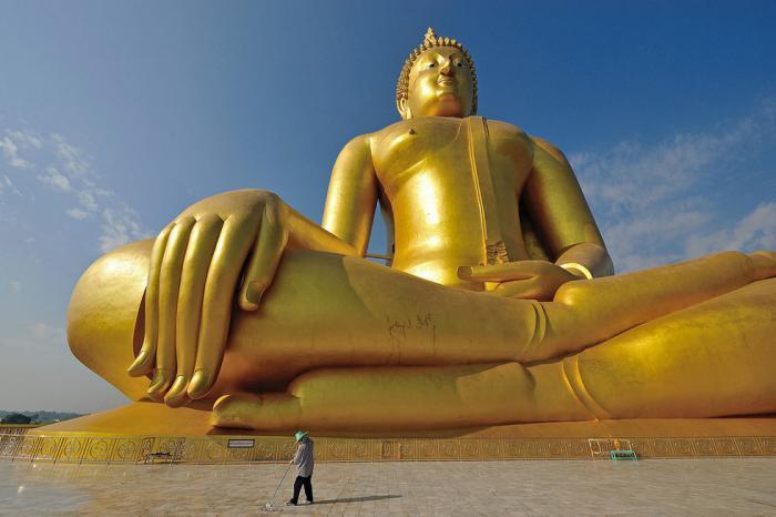 circuit-en-thailande-la-statue-la-plus-haute-de-bouddha