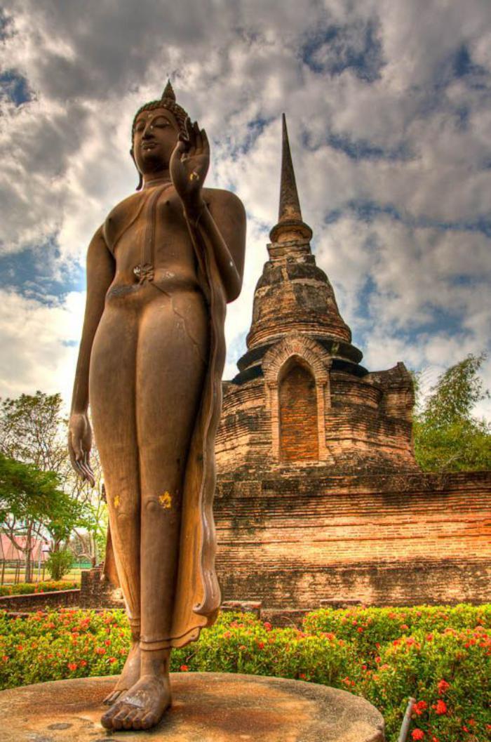 circuit-en-thailande-statuette-de-bouddha