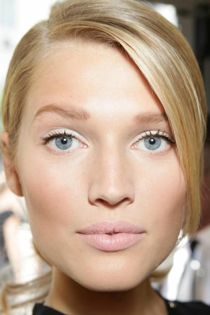 comment-agrandir-les-yeux-bleus-nos-idees-pour-maquillage-cheveux-blonds