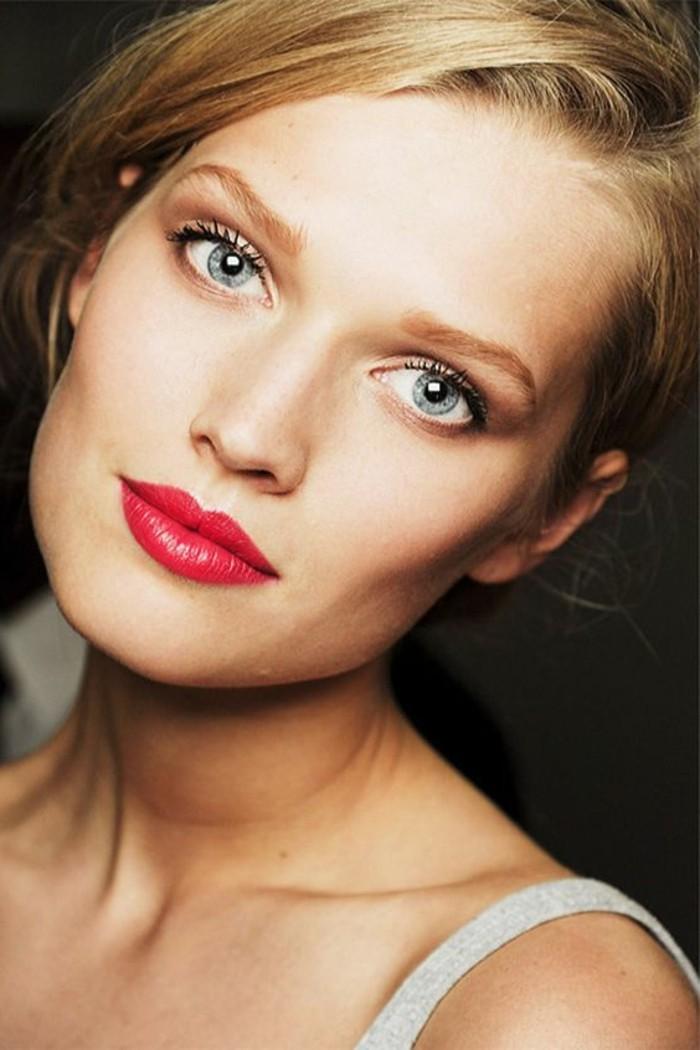 comment-choisir-le-rouge-a-levres-dior-fille-blonde-yeux-bleus-visage-pale-cheveux-blonds-rouge-a-levres-dior