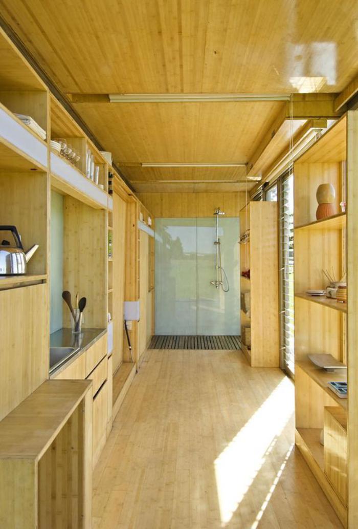 construire-sa-maison-container-intérieur-en-bois