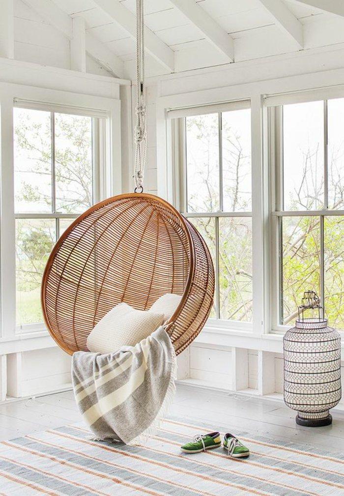 cool-chambre-a-coucher-déco-salle-de-séjour-fauteuil-rotin-ikea-idee-exterieur-balcon-terrasse-ambiance-cosy