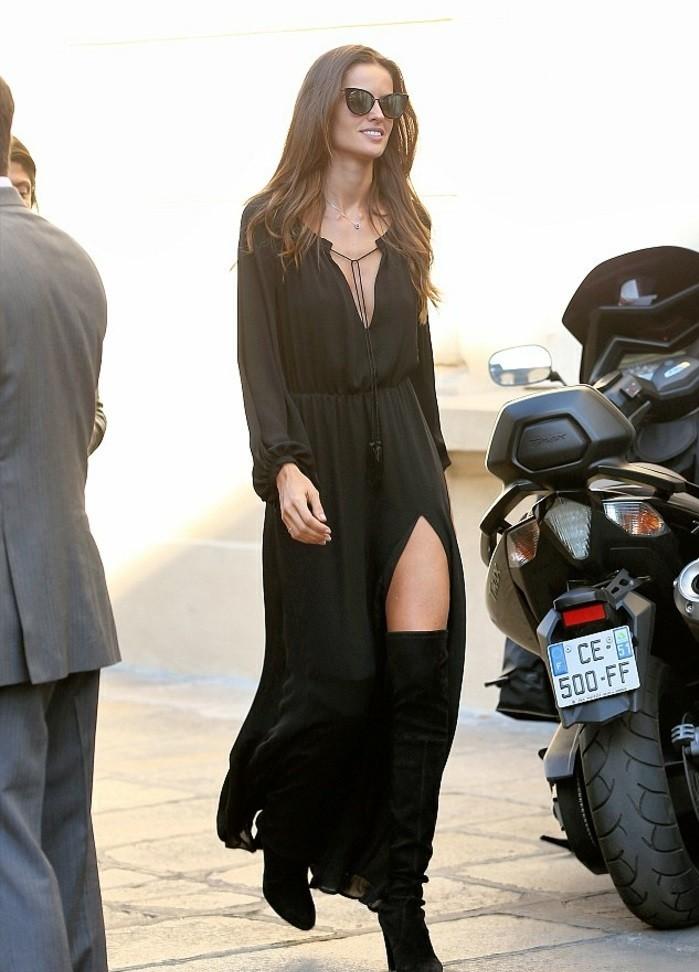 cool-idée-quoi-porter-jupe-longue-noire-la-beauté-tout-en-noir