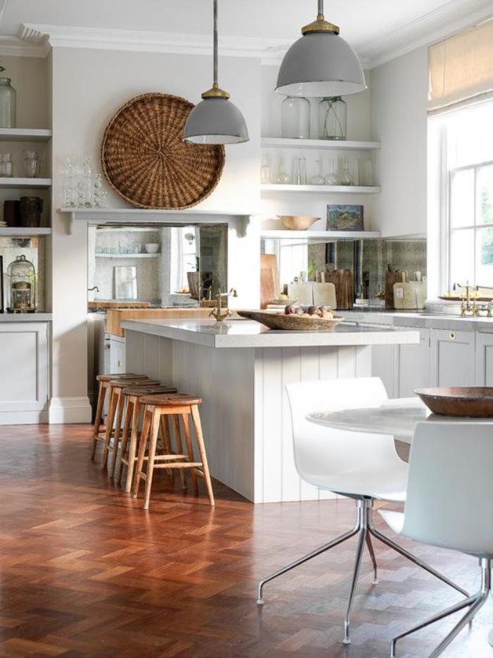 La cuisine avec ilot cuisine bien structur e et for Etagere escamotable cuisine